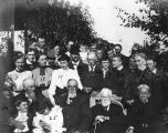 Family reunion at the Fullers' Sunnyvale home, 1905