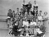 Roland F. Eberhart and San Jose High English students, 1940