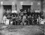 Fredericksburg Brewery employees with kegs, advertisements, 1905